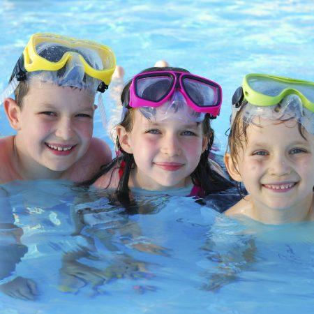 Bảo vệ mắt khi đi bơi, phải làm thế nào?