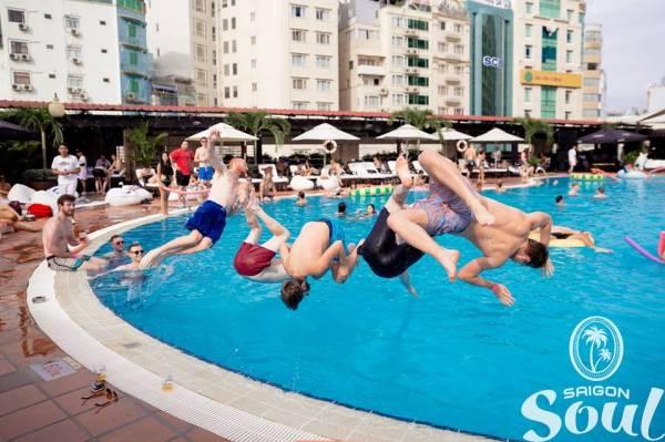 thể thao với môn bơi lội